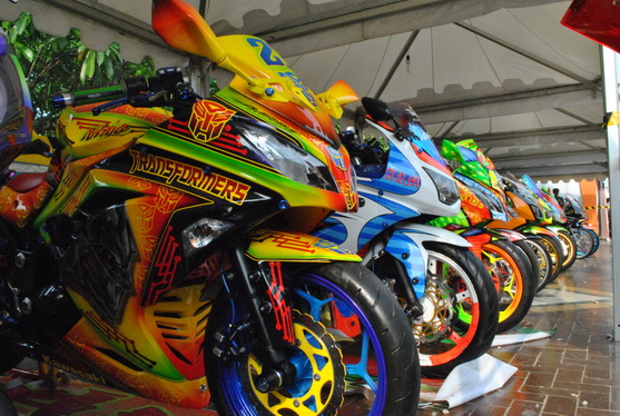 modifikasi warna cat motor matic terkeren