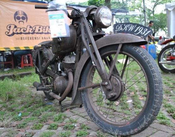 MOTOR DKW TERTUA DI AJANG CLASSIC FEST PARJO 3