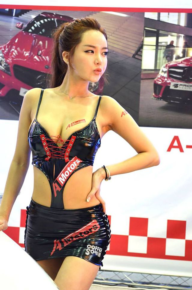 spg mobil Gambar bugil hot paling