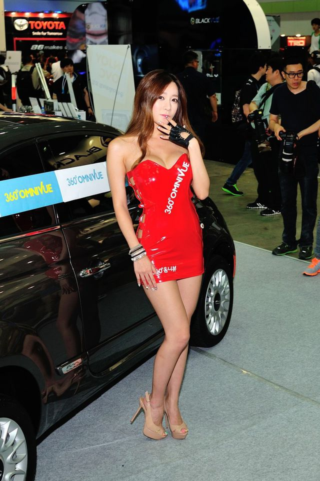 model_seoul_auto_salon_part_2-20140524-004-editor