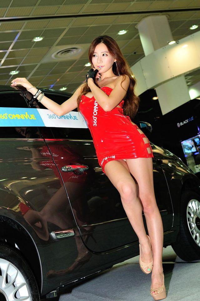 model_seoul_auto_salon_part_2-20140524-005-editor