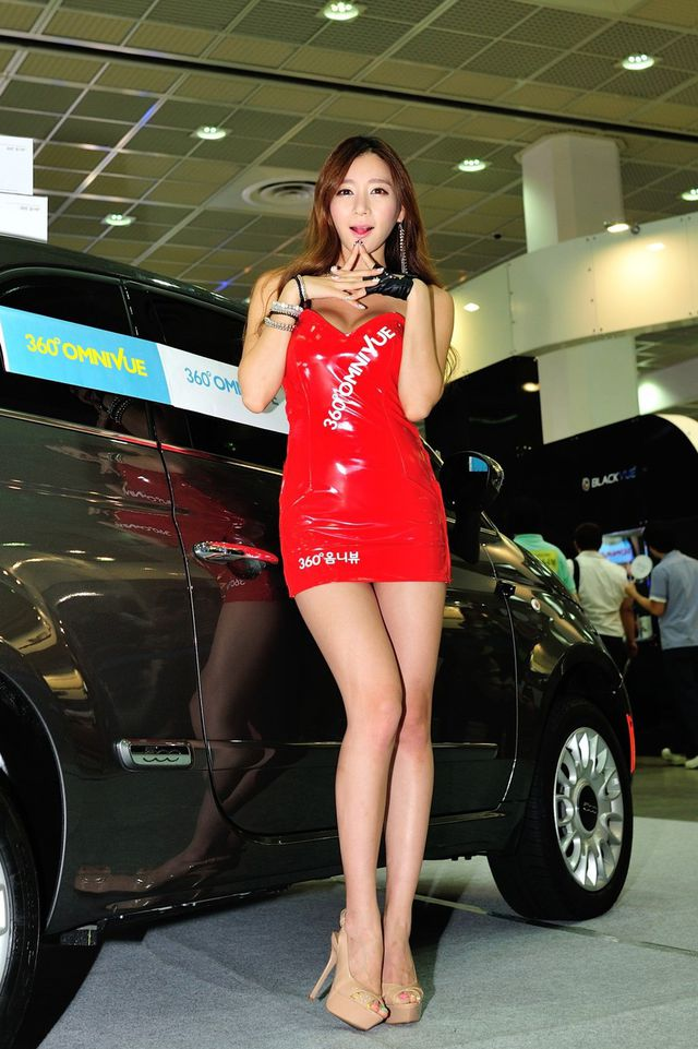 model_seoul_auto_salon_part_2-20140524-006-editor