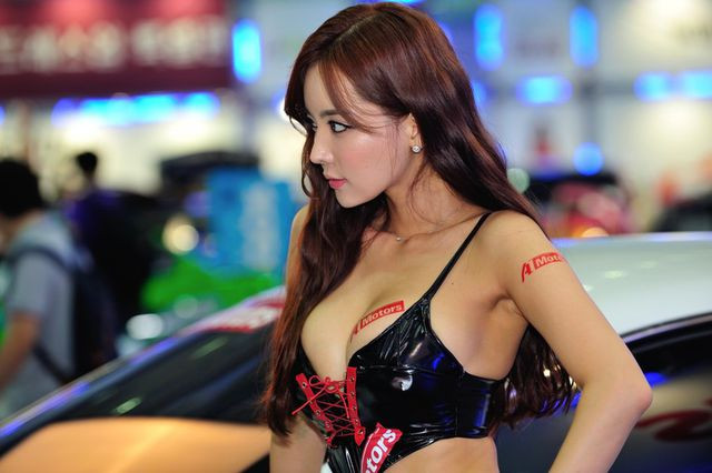 model_seoul_auto_salon_part_2-20140524-009-editor