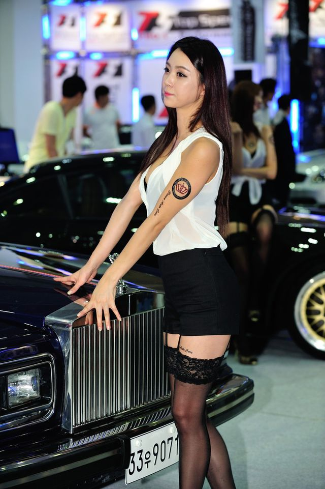 model_seoul_auto_salon_part_2-20140524-011-editor