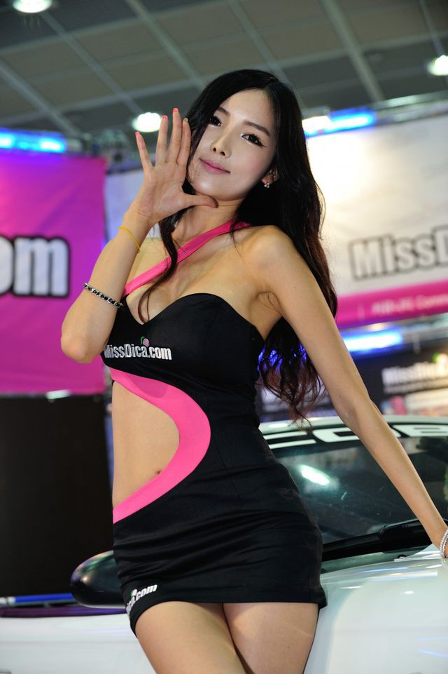 model_seoul_auto_salon_part_2-20140524-016-editor