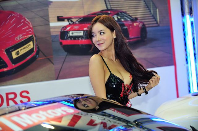 model_seoul_auto_salon_part_2-20140524-020-editor