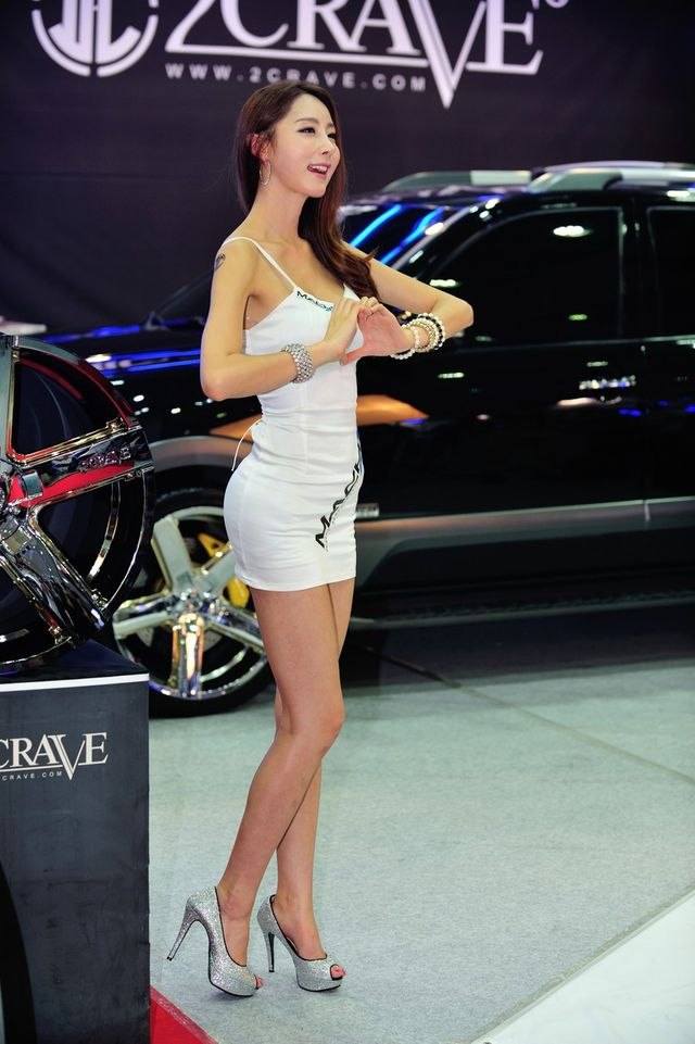 model_seoul_auto_salon_part_2-20140524-026-editor