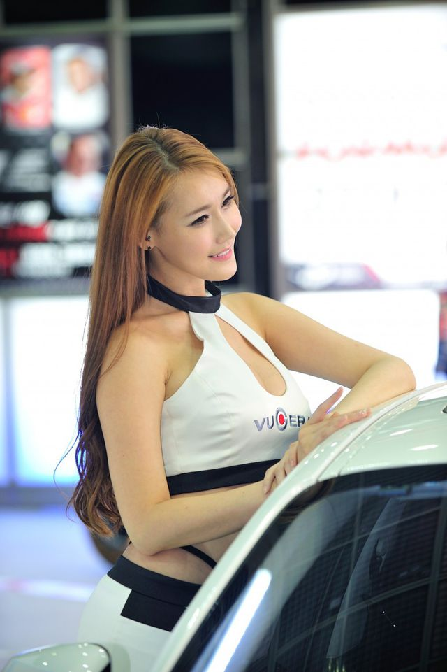 model_seoul_auto_salon_part_2-20140524-028-editor