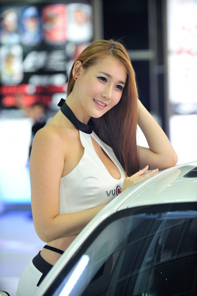 model_seoul_auto_salon_part_2-20140524-029-editor