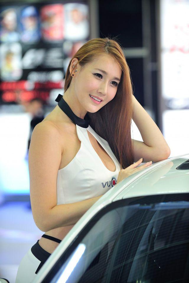 model_seoul_auto_salon_part_2-20140524-029-editor