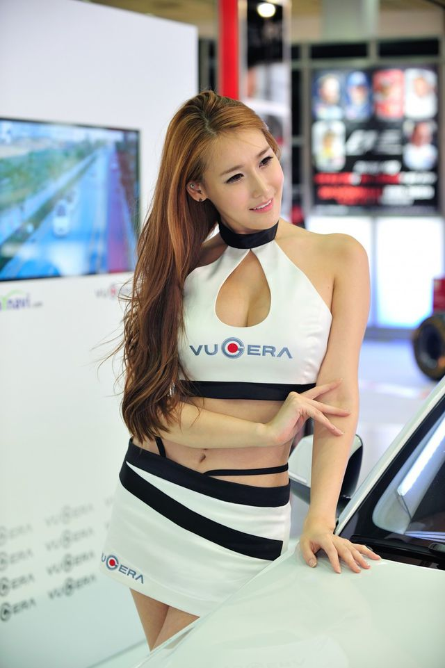 model_seoul_auto_salon_part_2-20140524-030-editor