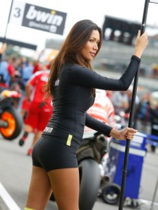 14_paddock-girls__gp_8292_slideshow