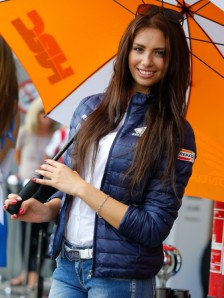 19_paddock-girls__gp_5363_slideshow