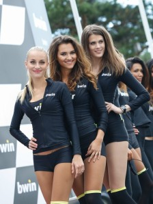 20_paddock-girls__gp_5856_slideshow