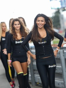 4_paddock-girls__gp_5898_slideshow