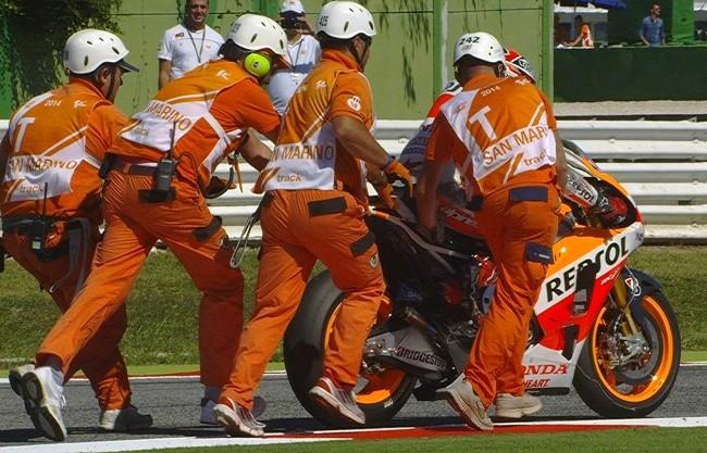 Foto-Marquez-Terjatuh-di-MotoGP-Misano-2014