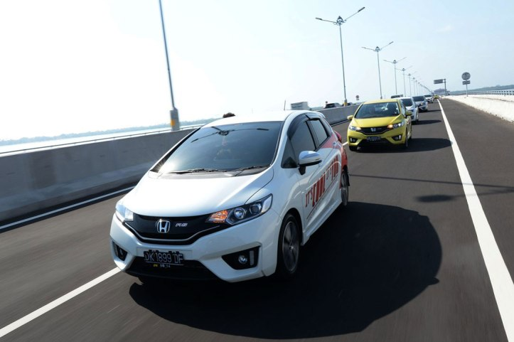 Gallery-All-New-Honda-Jazz-2014-3