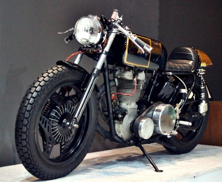 MATCHLESS_caferacer6