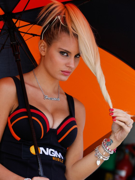 paddock-girls__gp_2511_slideshow