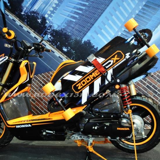 Imos 2014 Galeri Foto Modifikasi Pabrikan Honda Beat Dan Honda Vario Techno Jika Diproduksi Masal Bisa Mengancam Yamaha X Ride Rodex1313 Com