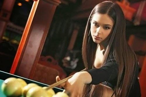 Anastasia-Luppova-billiard