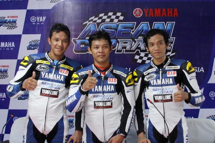road-race-yacr-perdana-r25-turun-indonesia-langsung-kuasai-podium-2014-12-07-c