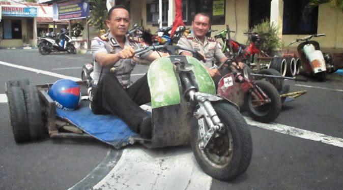 Vespa Gembel Itu Dirazia Oleh Polisi Wilayah Bogor Rodex1313 Com