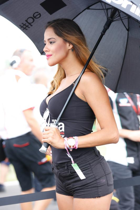 041_paddock-girl__gp_8025.gallery_full_top_lg