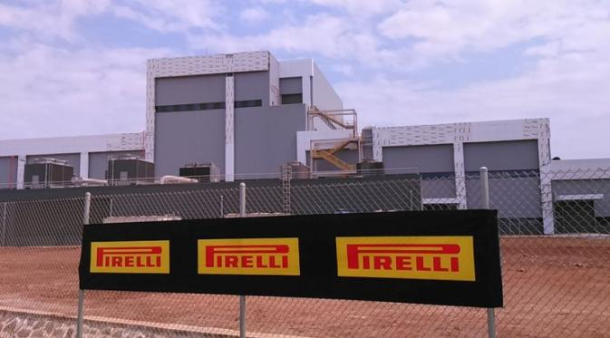 035291800_1445409805-pabrik_pirelli