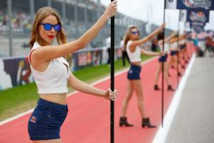 paddock-girls_gp_3866.gallery_full_top_fullscreen