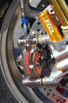 massimo-t12-details-brembo-quick-release-front-caliper