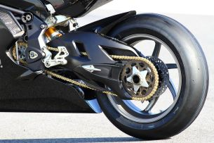 massimo-t12-details-rear-single-sided-swingarm-and-link