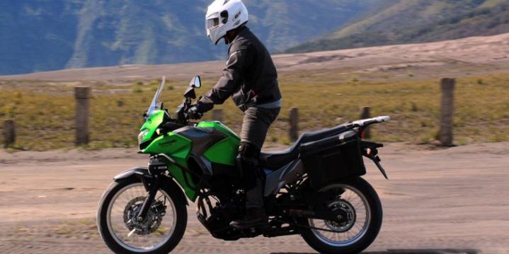 1449338Test-Ride-Kawasaki-Versys-X-250-4780x390