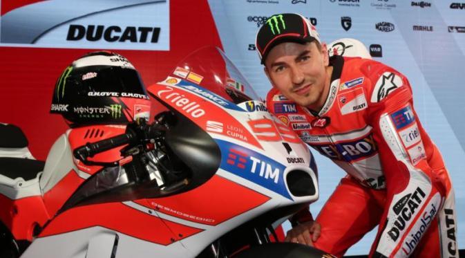 045412900_1484915032-Lorenzo_Ducati
