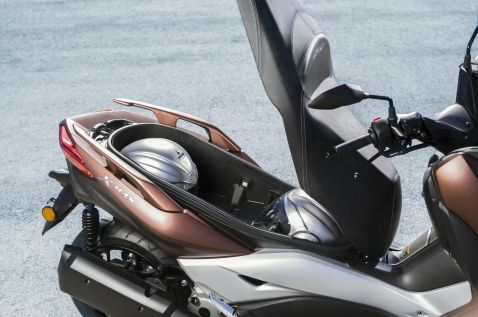 2017 Yamaha X-Max 300 under-seat storage