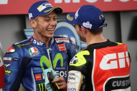 35-cal-crutchlow-eng-46-valentino-rossi-itabl2_6390.gallery_full_top_lg