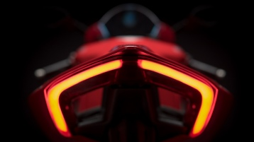 Panigale-V4-MY18-Red-18-Slider-Gallery-1920x1080