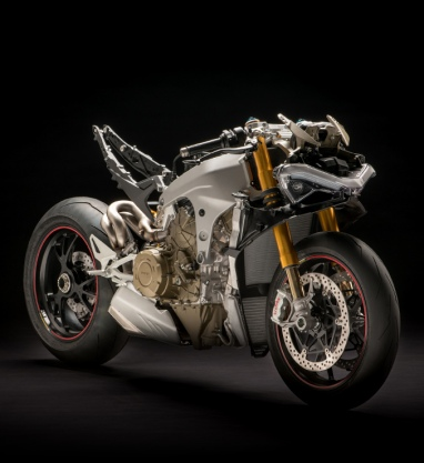 Panigale-V4S-naked-MY18-02-Carousel-Imgtext-Tecnologia-677x740