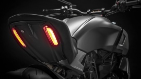 diavel-1260-s-my19-12-gallery-1920x1080
